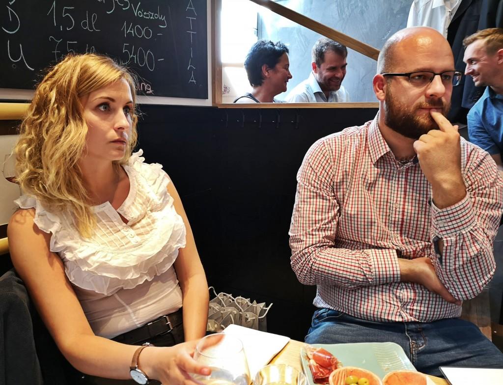 Nagy Annamária adminisztrátor és Mórocz Tamás borász